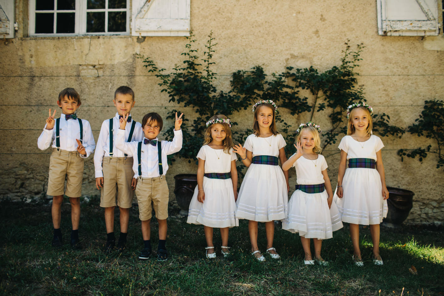 kids at french wedding