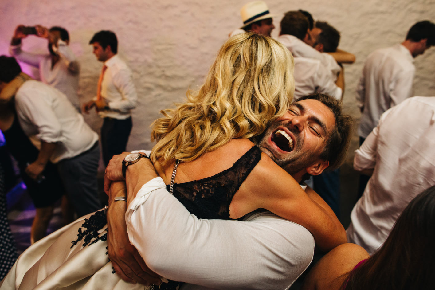 groom hugs mum on dancefloor