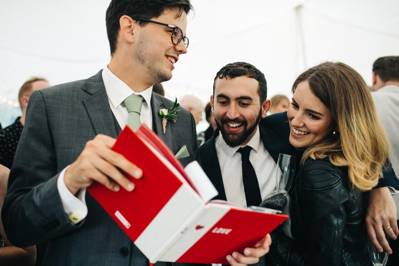 Hampshire Barn wedding in ibthorpe 099