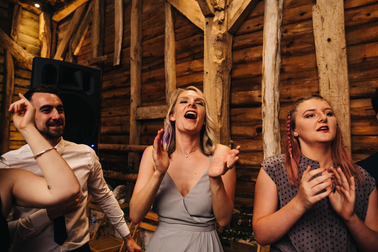 Hampshire Barn wedding in ibthorpe 124