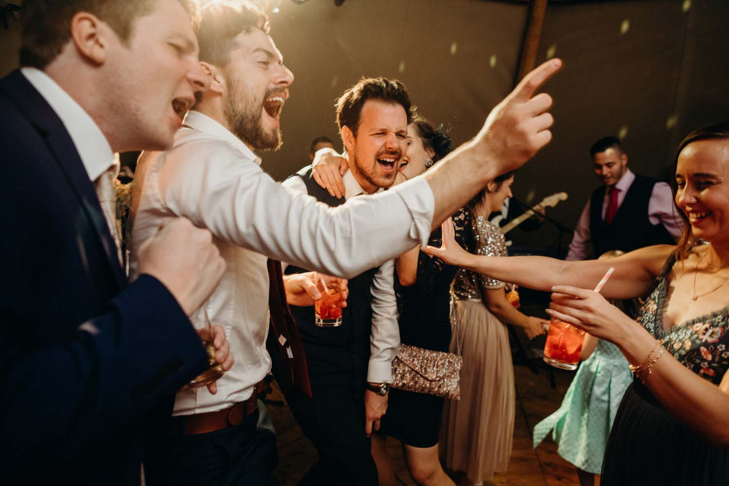 wedding dancefloor antics