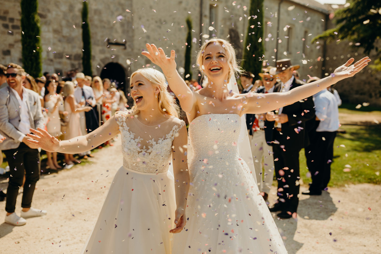 confetti throw at chateau wedding