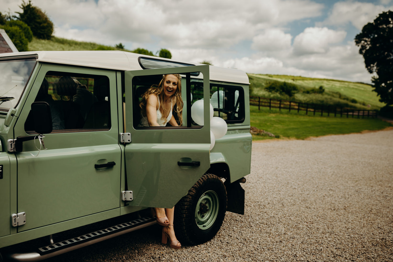 bride arriving at wiltshire wedding