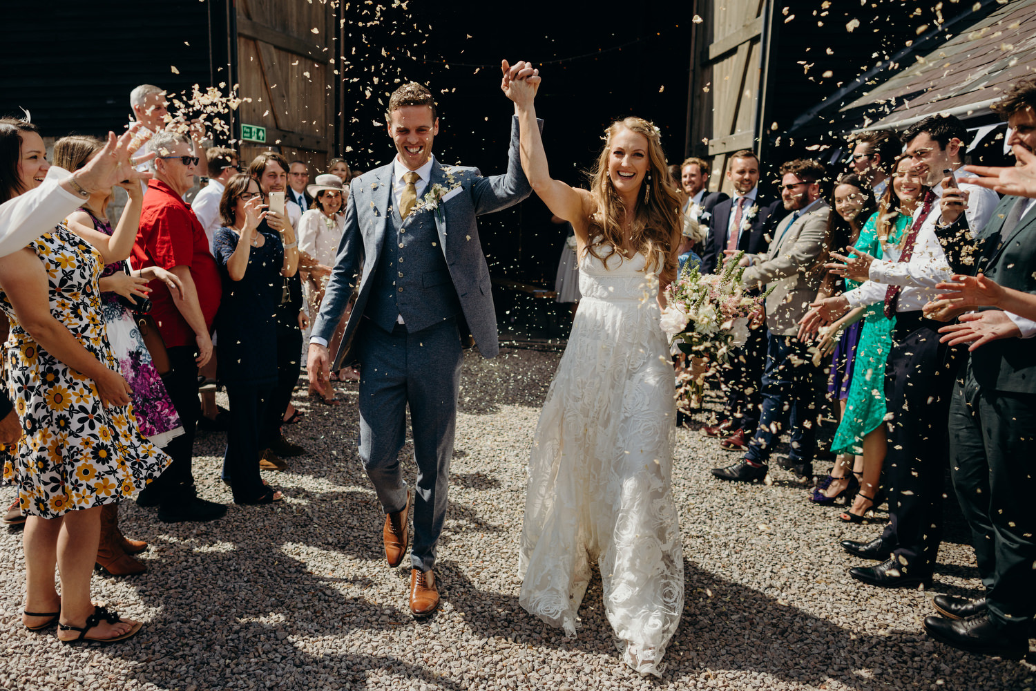 confetti throw at barn wedding