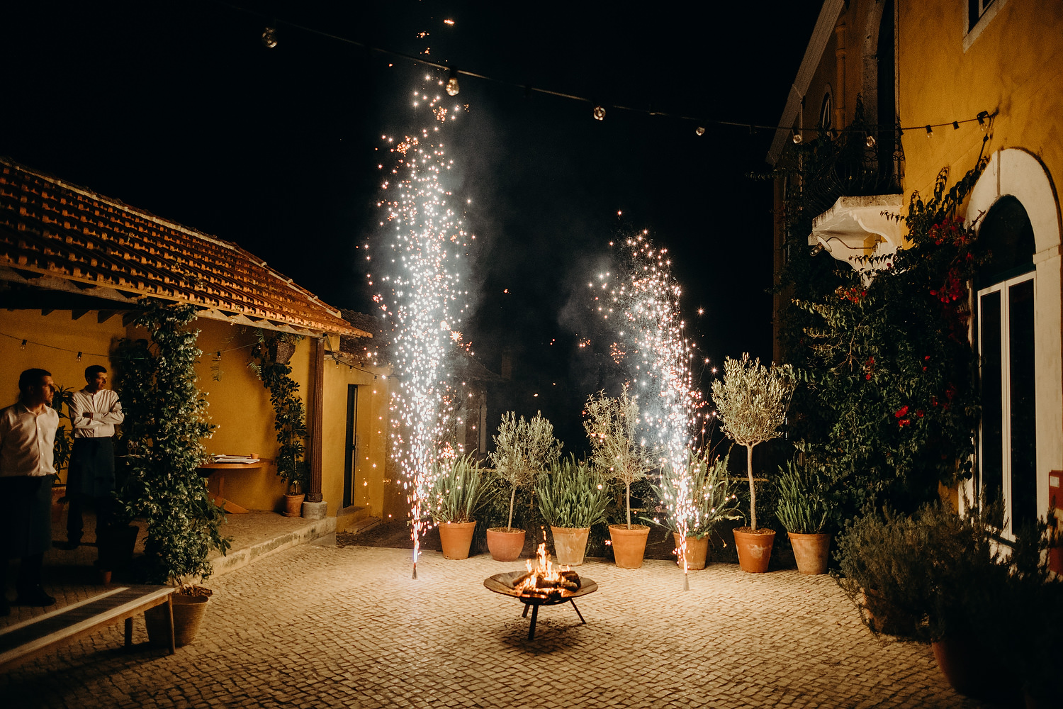 wedding ground sparklers