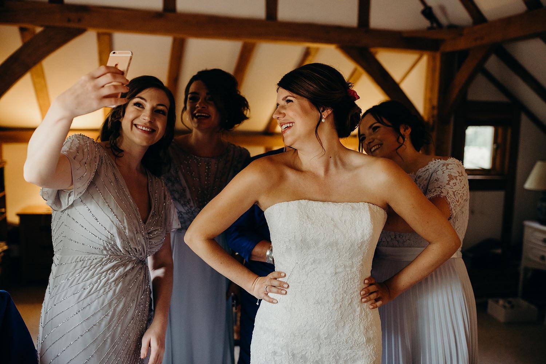 bride skyping before wedding