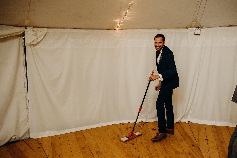 usher cleaning dancefloor